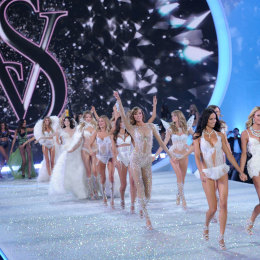 What Went On During Victoria's Secret Fashion Show 2014?