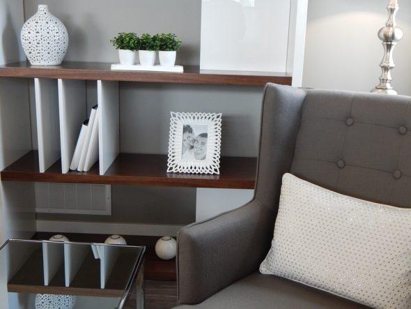 shelves-890573_960_720
