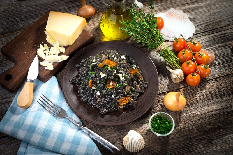 super-yacht-charter-mediterranean-best-cuisine