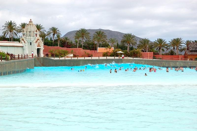 Tenerife,Island,,Spain,-,May,22:,The,Tourists,Enjoying,Artificial